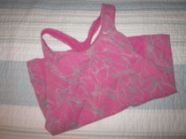 A cute pink top would make just about anyone want to go run.....maybe not my husband though!